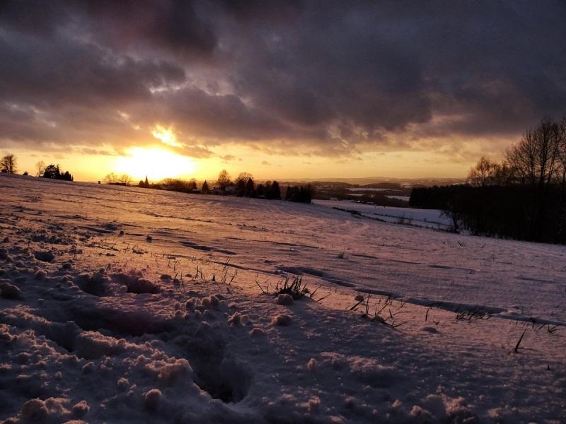 Sonnenuntergang im Winter bei Overath