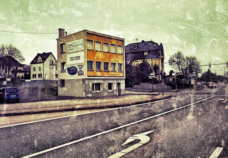 Besonderes Haus in der  Eifel auf dem Weg nach Andernach
