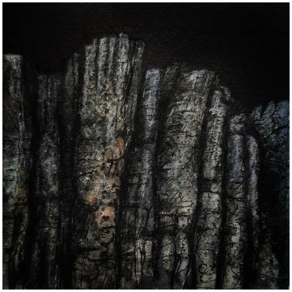 Felswand bei Nacht